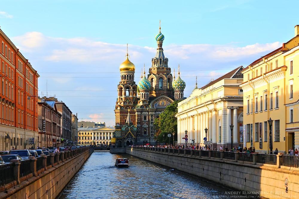 شهر زیبای سن پترزبورگ در روسیه
