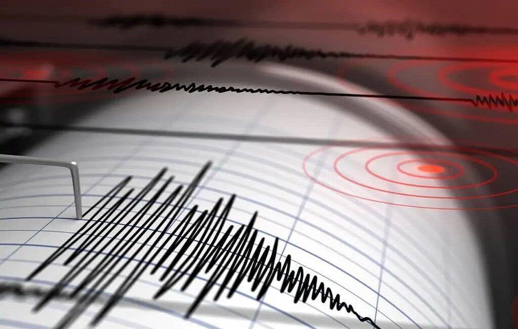آماده باش نیرو های امدادی استان های تهران و مازندران ، اعزام 3 تیم ارزیاب به منطقه زلزله زده