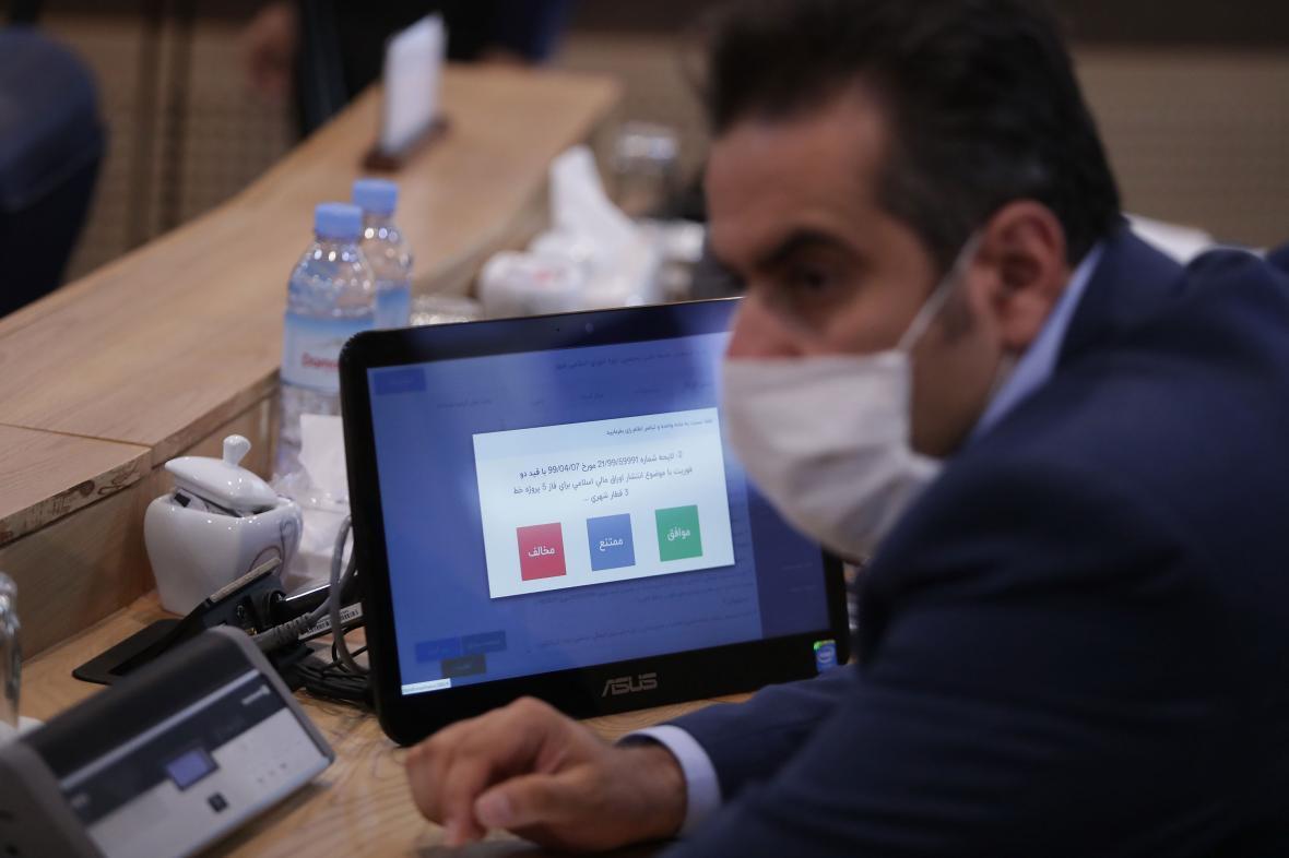 تناقضات شورای شهر مشهد در پروژه کمربند جنوبی ، طرحی که زندگی سه میلیون نفر را به خطر می اندازد