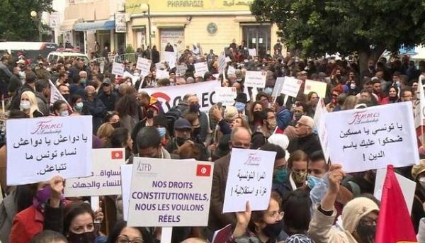 جلسه مجلس تونس برای بررسی اصلاحات نخست وزیر در کابینه