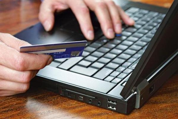 3 خدمت پر مراجعه دستگاهها با اپلیکیشن دولت همراه ارائه می گردد