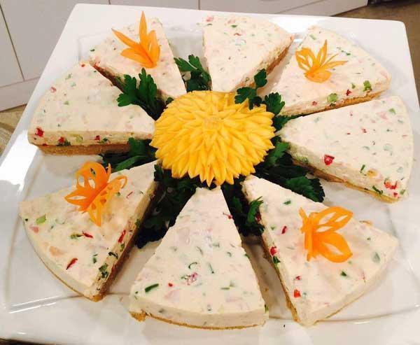 طرز تهیه سالاد پنیر به 2 روش قالبی و کبابی