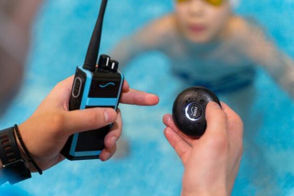 صحبت با شناگران در حال شنا به یاری فناوری