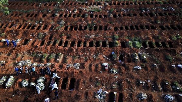 تور برزیل: آمار وحشتناک تعداد جان باختگان کرونا در برزیل؛ 600 هزار جان باخته و تکمیل ظرفیت بیمارستان ها